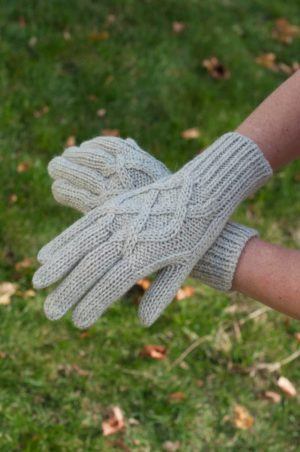 Pure Baby Alpaca Cable Knit Gloves
