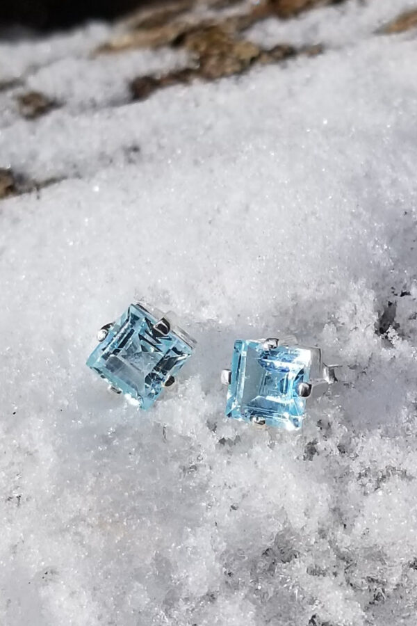 3.5 Carot Blue Topaz Stud Earrings
